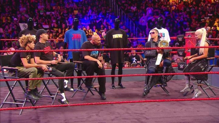 la-sp-lavar-ball-lonzo-lamelo-wwe-raw-20170626.jpg