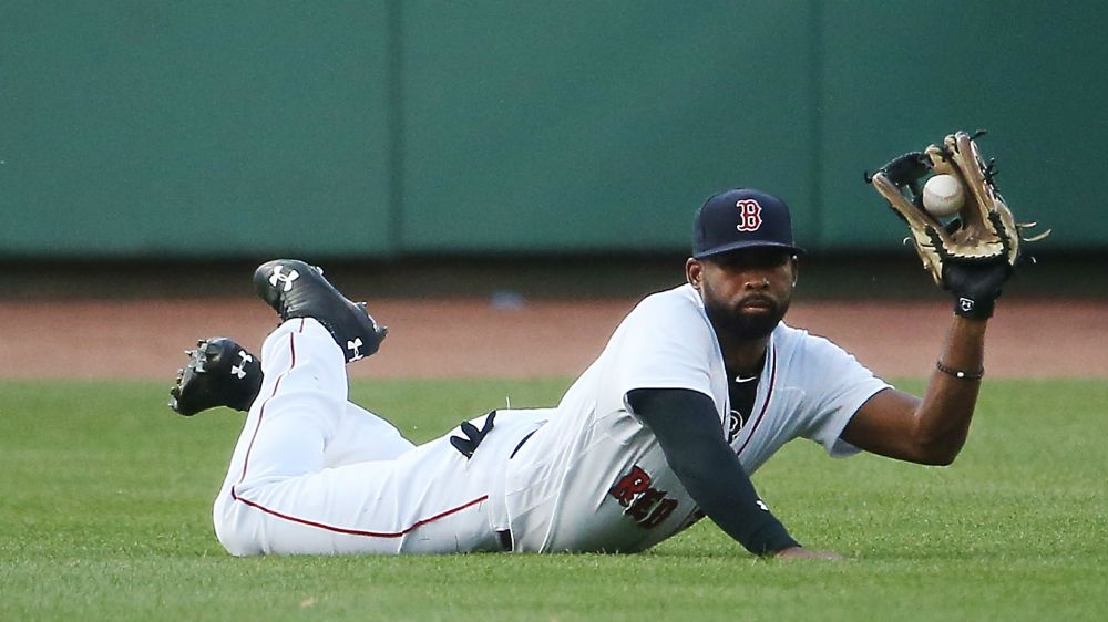 jackie-bradley-jr-red-sox-getty-ftr-071617_z5py4r4k89ez13rkwswt1jw2a.jpg